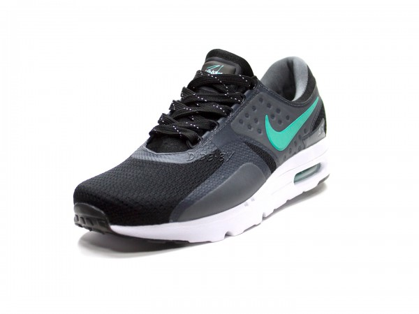 Изображение кроссовок nike-air-max-zero-essential-n6001